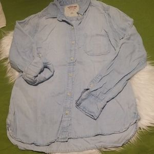Mossimo supply co. Long sleeve light wash top.